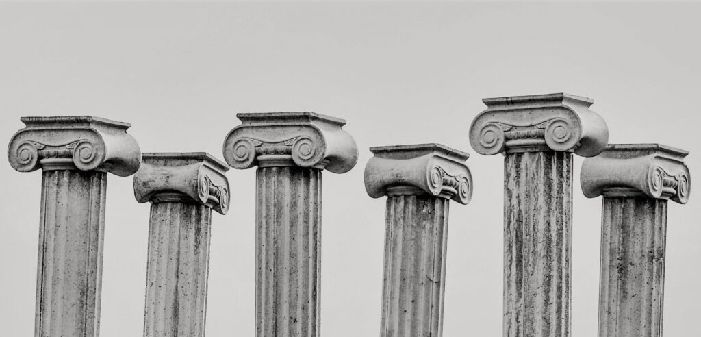 6 Ancient Greek pillars